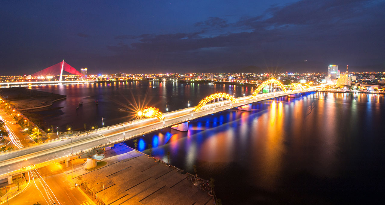 Impress The Beauty Of Bridges is the best nightlife Danang has to offer.