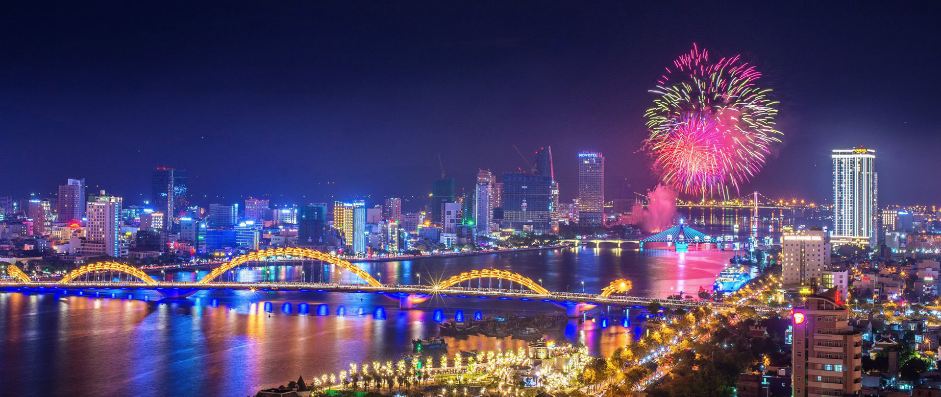 Fireworks are displayed in Da Nang City on the occasion of International New Year