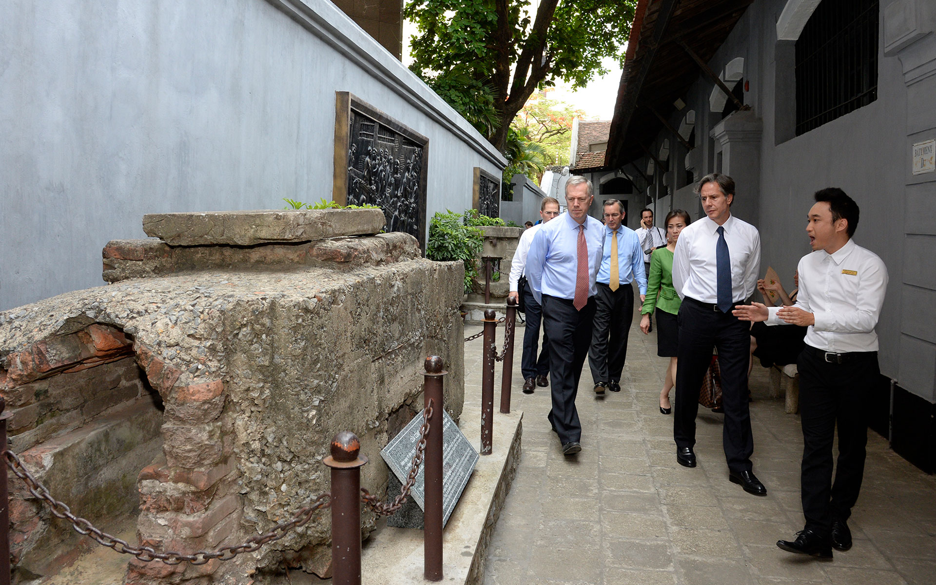 "Deputy Secretary Anthony Blinken tours the ""Hanoi Hilton"" on May 18, 2015."