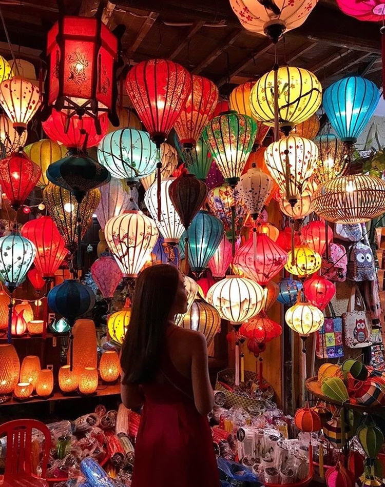 Lantern selling at Hoian Night market