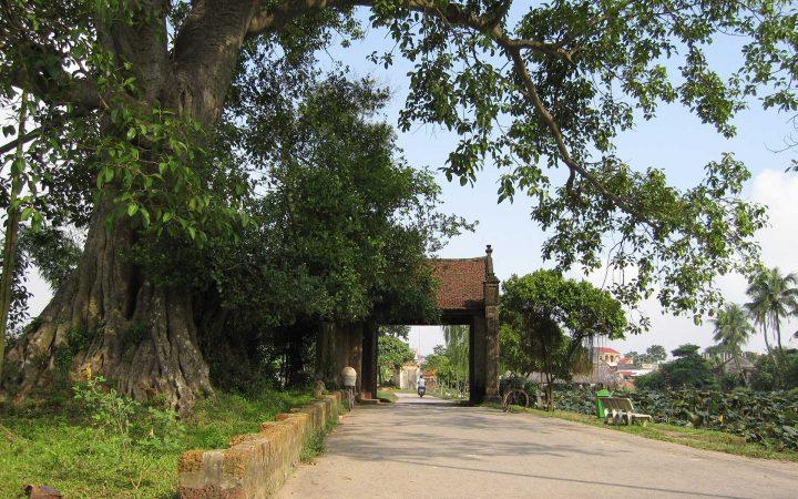 Mong Phu Village Gate