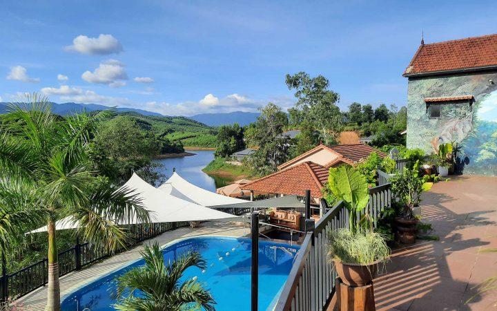 Phong Nha Lake House Eco Resort