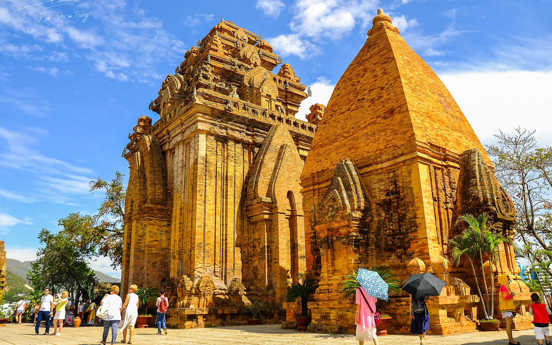 Situated on the top of a hill, Ponagar Towers is the most well-preserved ruins of Cham Culture in Central Vietnam.