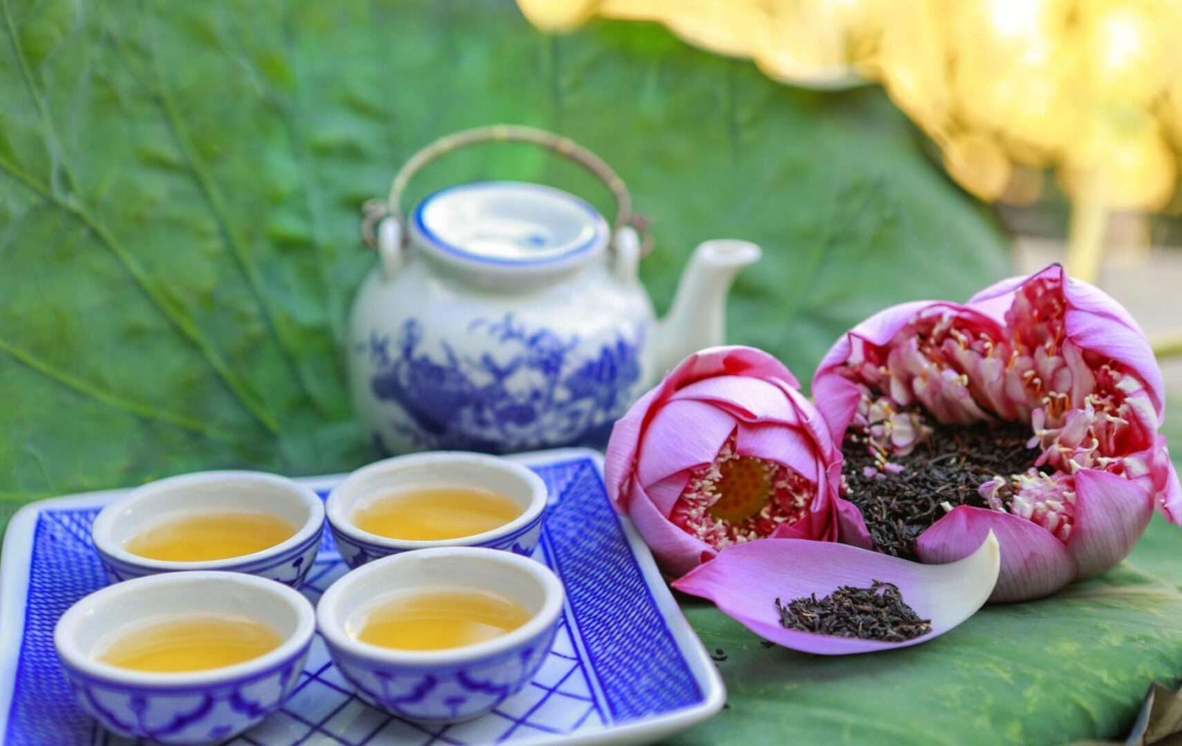 Vietnamese lotus tea always brings a pleasant & mild taste among other common scented teas.