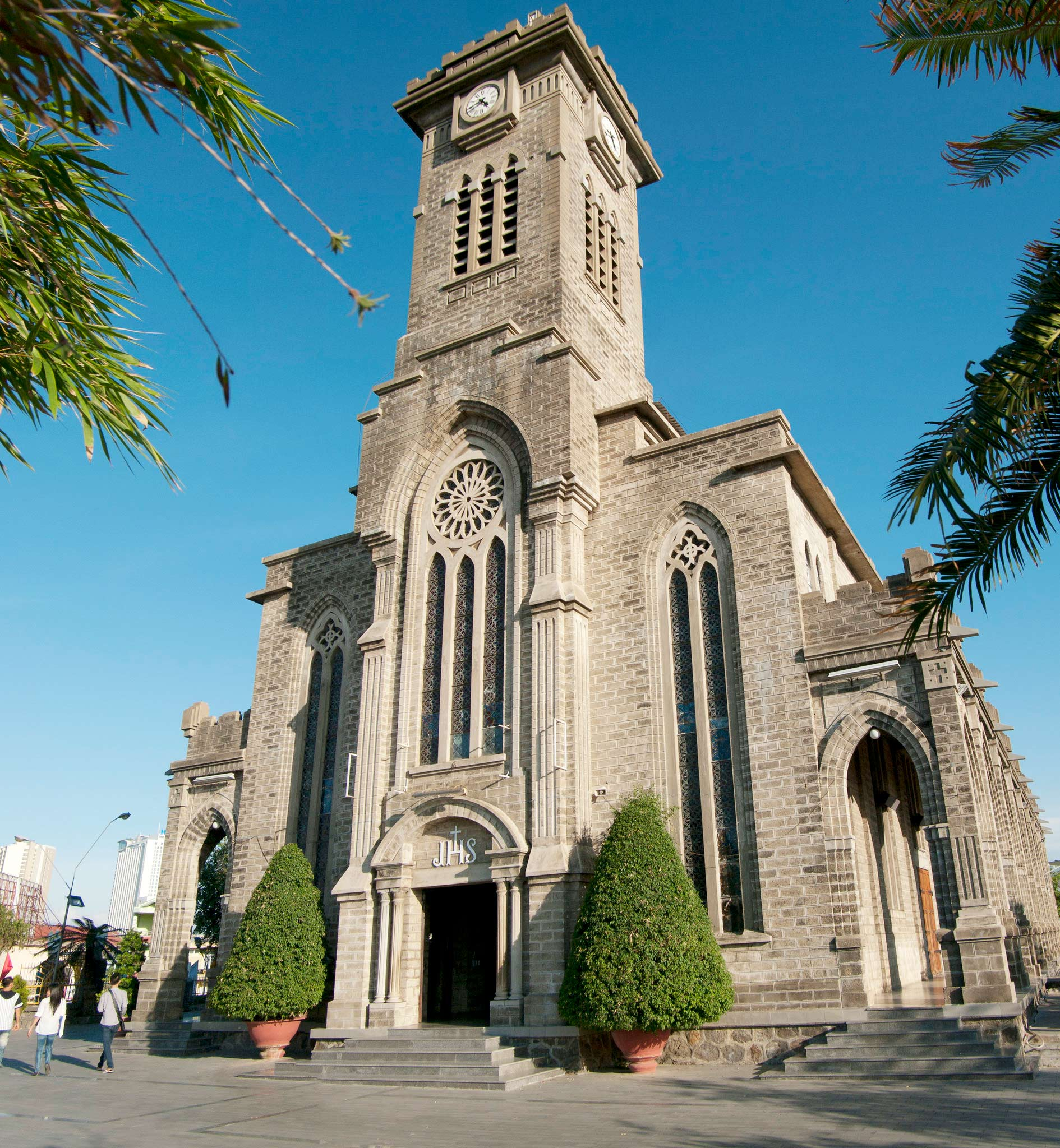 Nha Trang Stone Cathedral - the perfect combination of the French Gothic style and distinct Vietnamese architecture elements.