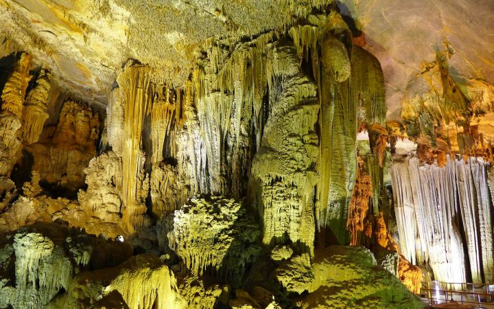 Tien Song Cave