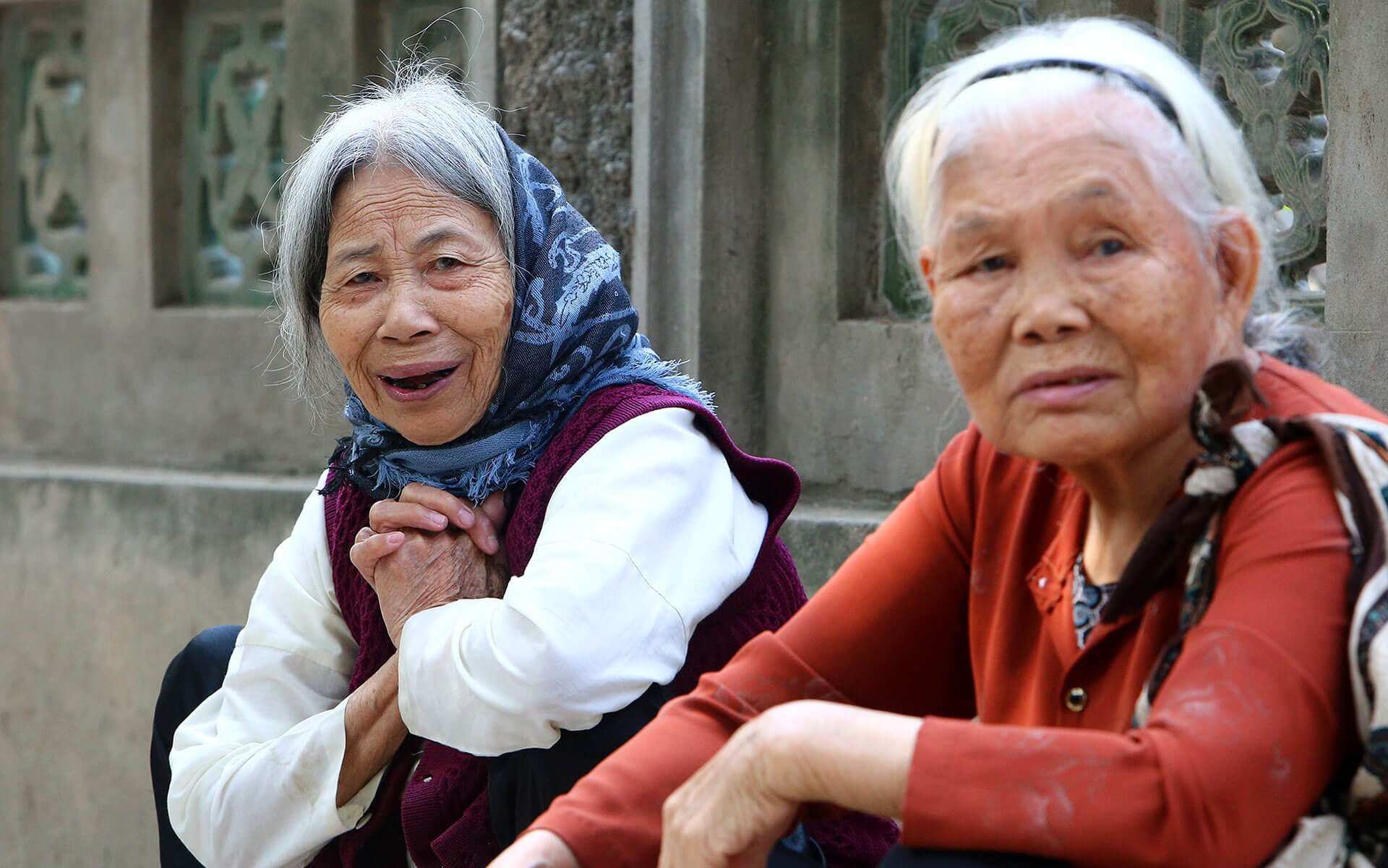 The gentle & hospitable villagers in Dong Ngac village