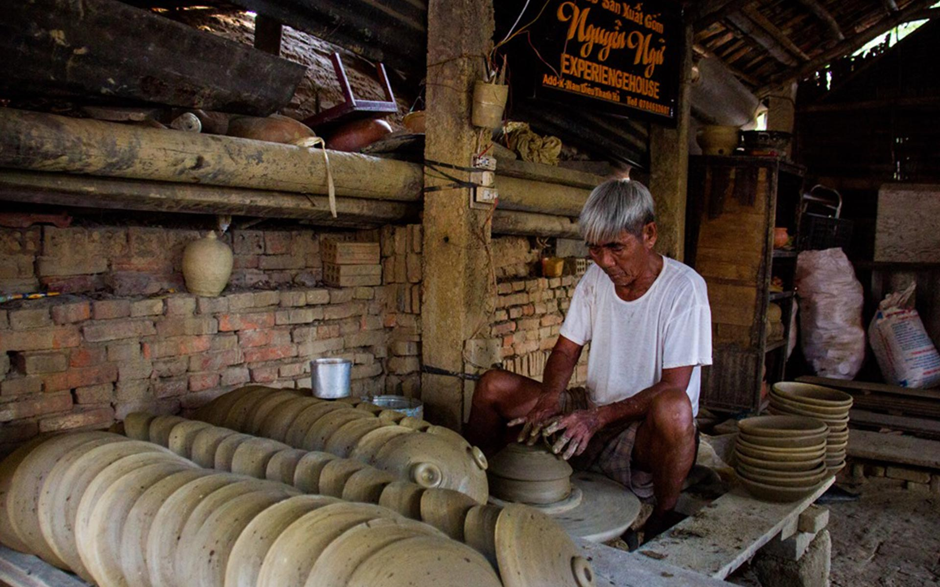 making pottery product in Thanh Ha Pottery Village