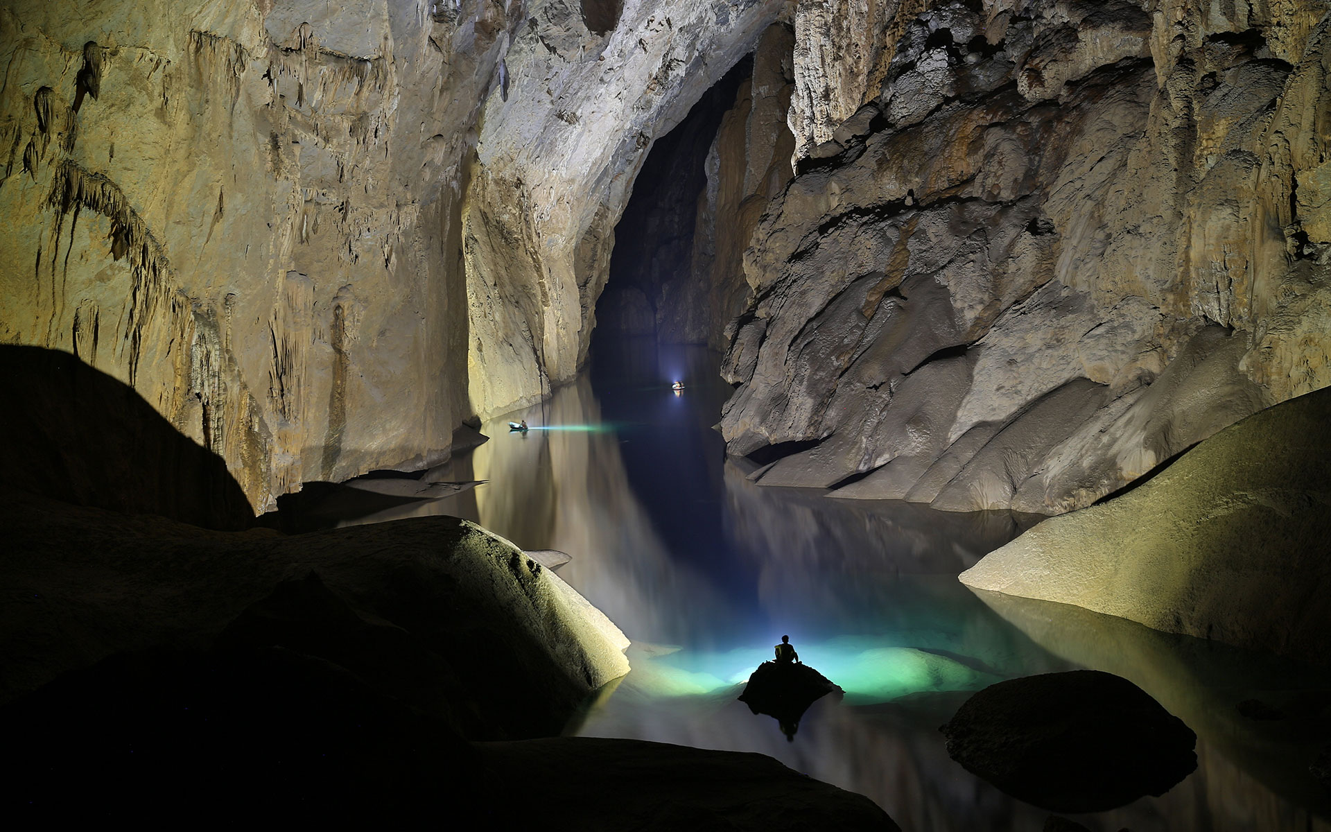 Underground river near the Great Wall