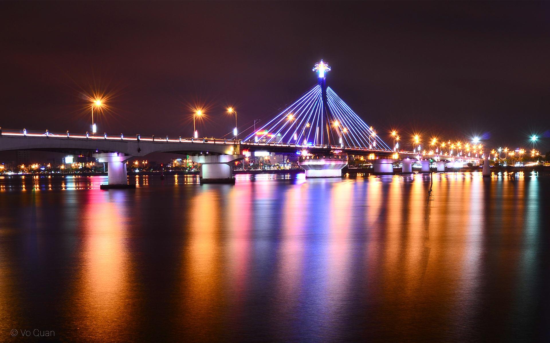 Han River Bridge in danang