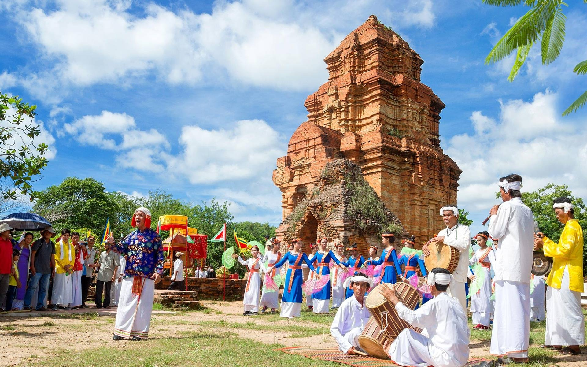 Kate Festival - the most unique festival of the Cham community in Ninh Thuan Province