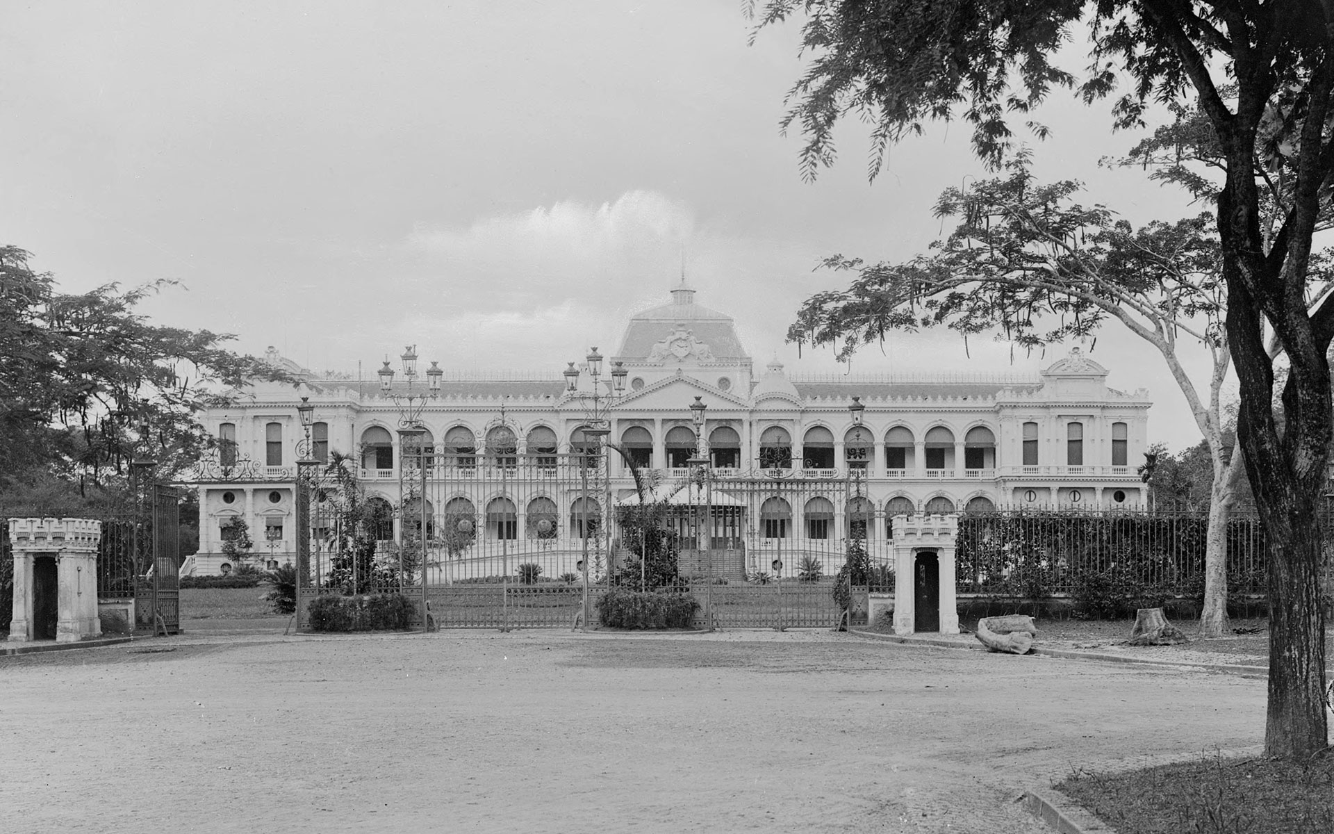 Palace of the Governor-General (Norodom Palace) in Saigon, about 1896