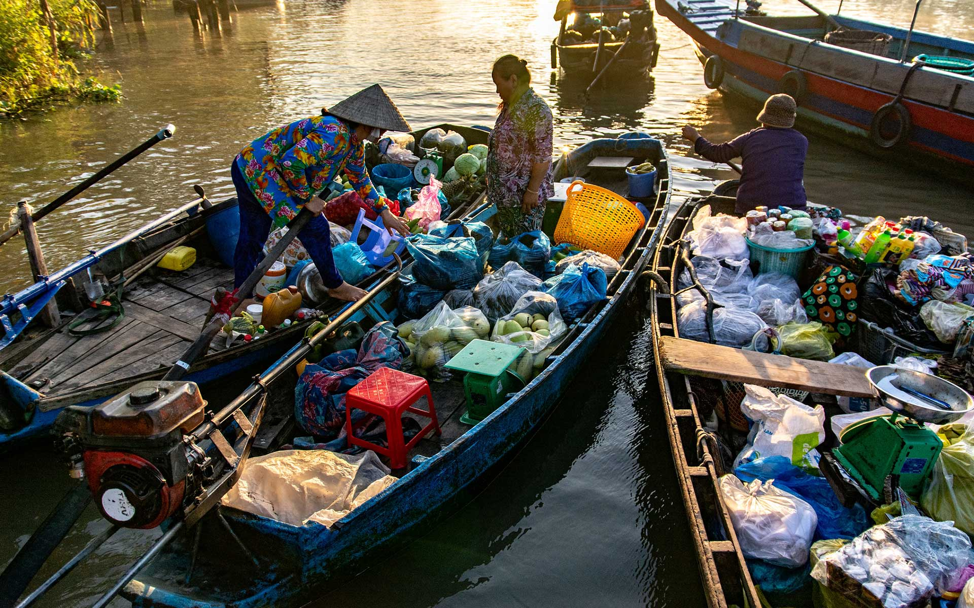 How to get there Phong Dien Floating Market
