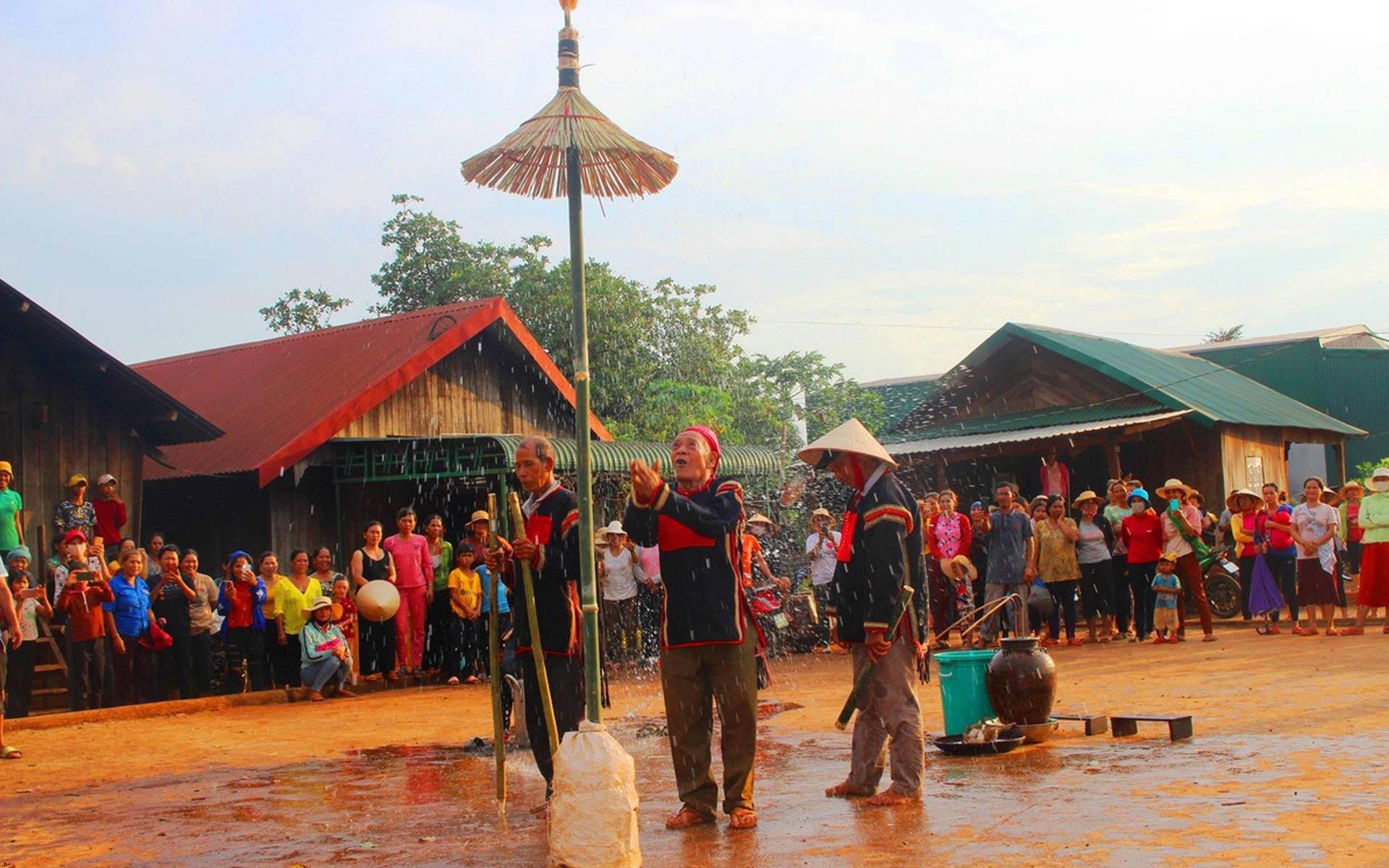 Xen Xo Phon Festival (Mai Chau)