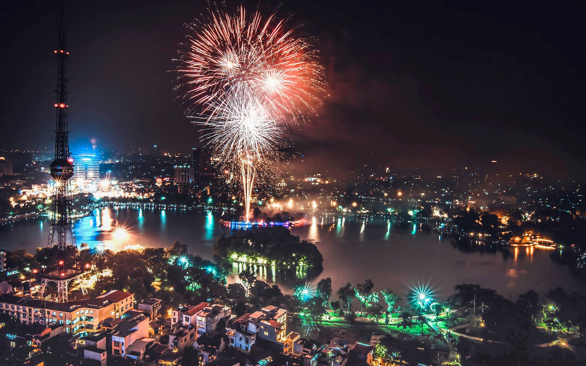 Hanoi holds firework display on Vietnamese Lunar New Year
