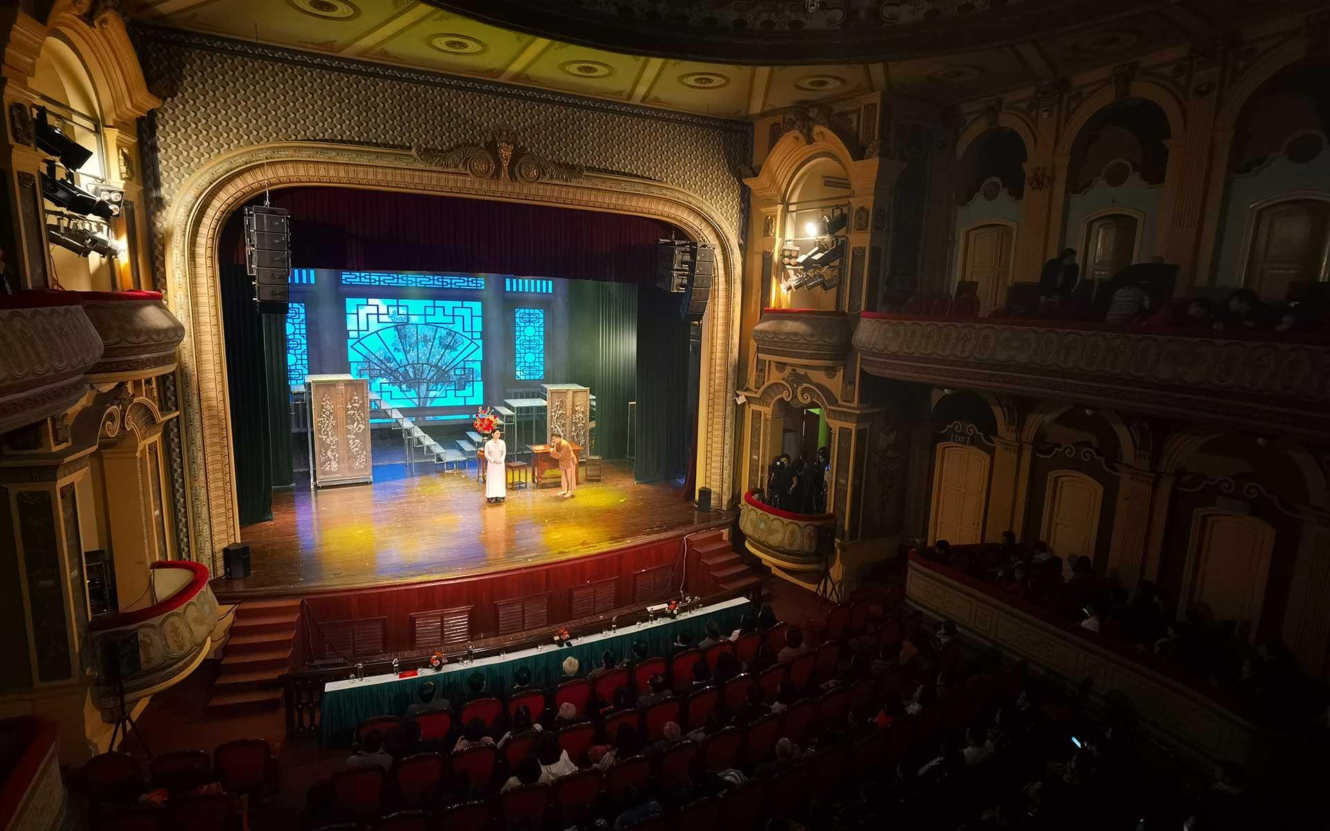 inside of Hai Phong Opera House