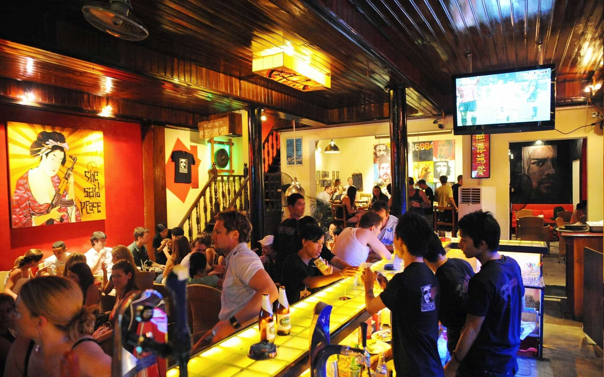 bar in hoian