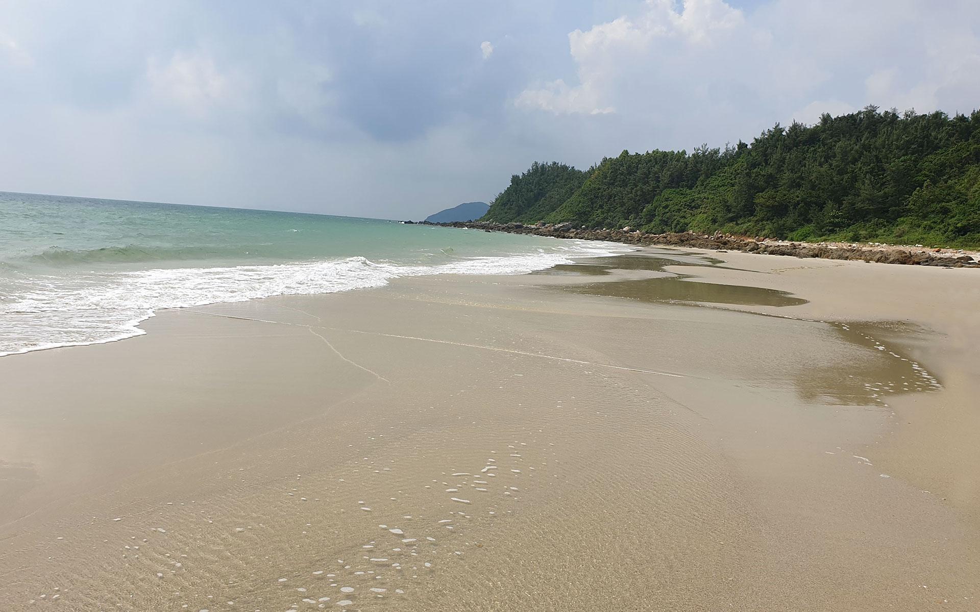 Son Hao Beach