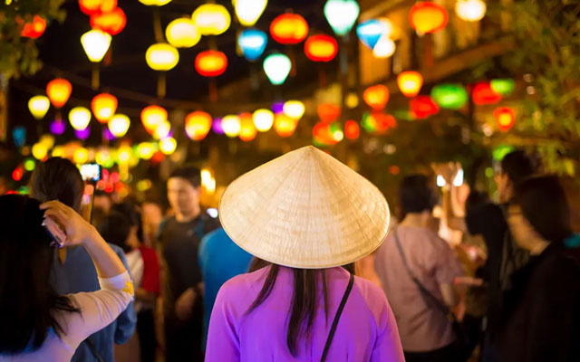 Hoi An Night Market - A Shopping Paradise