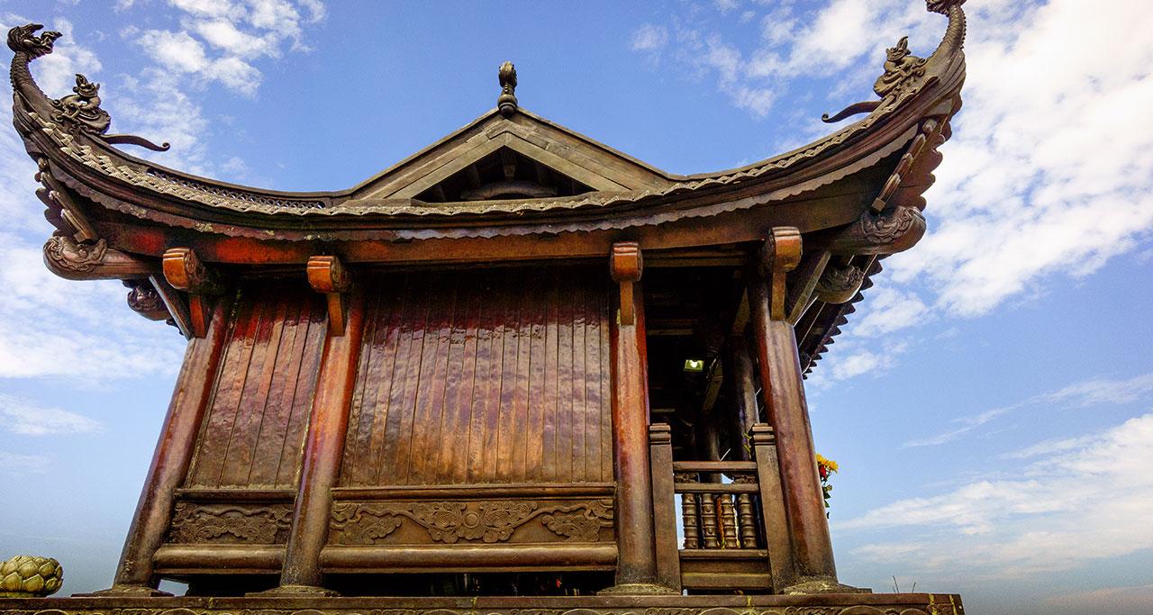 Visit-Yen-Tu-Pagoda-13