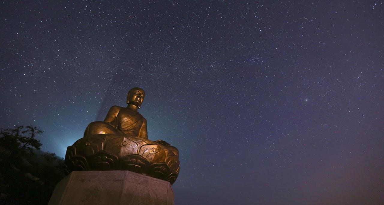 Visit-Yen-Tu-Pagoda-15