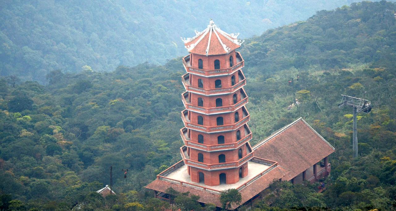 Visit-Yen-Tu-Pagoda-18