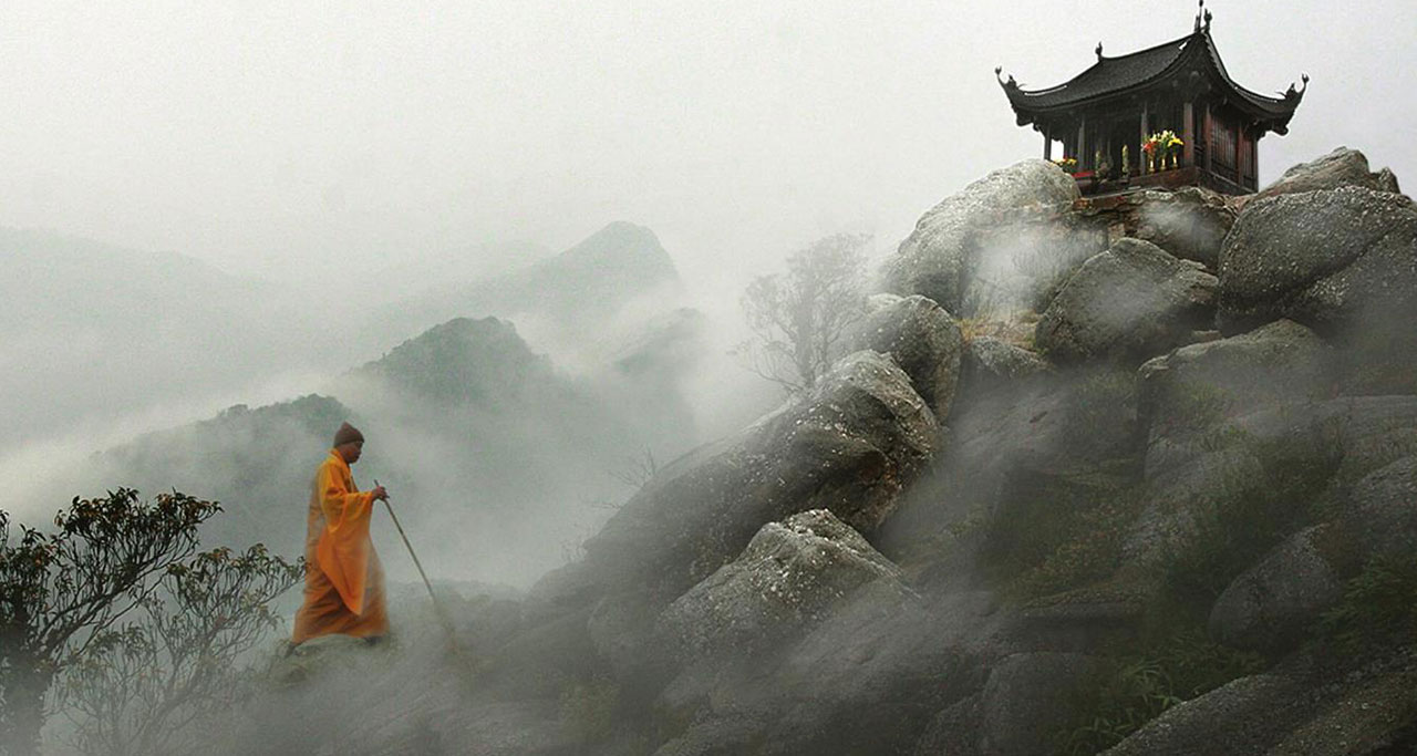 Visit-Yen-Tu-Pagoda-20