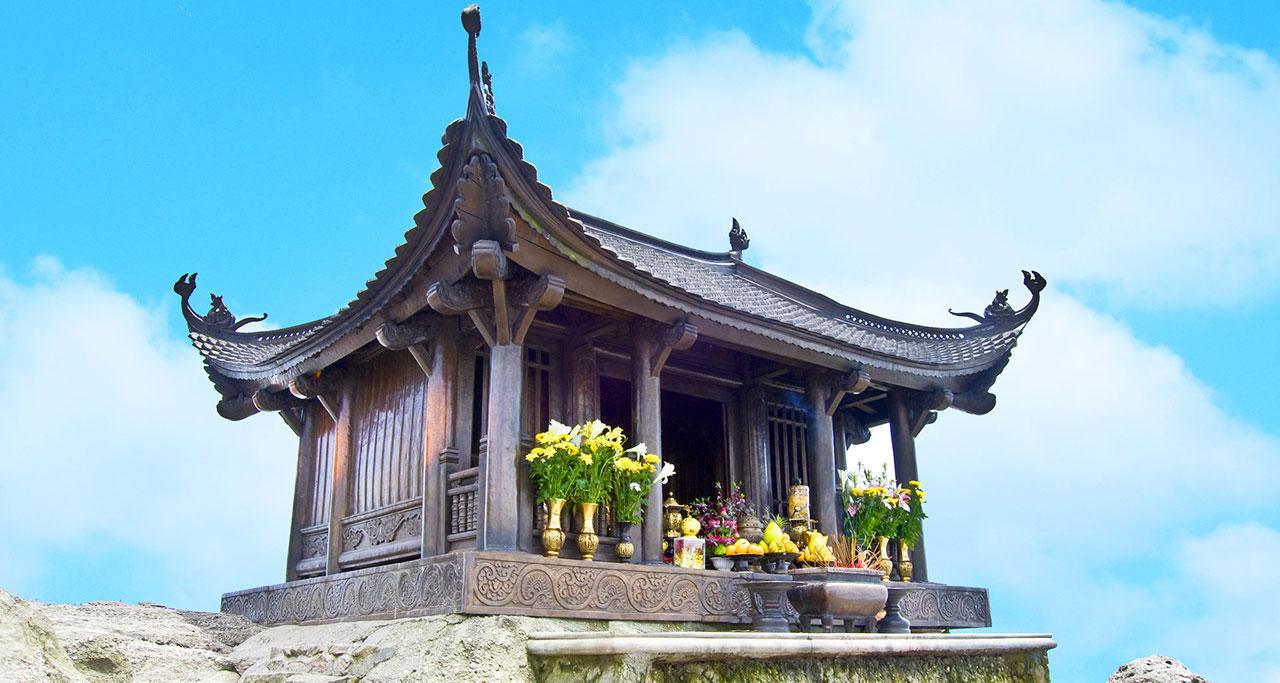 Visit-Yen-Tu-Pagoda-22