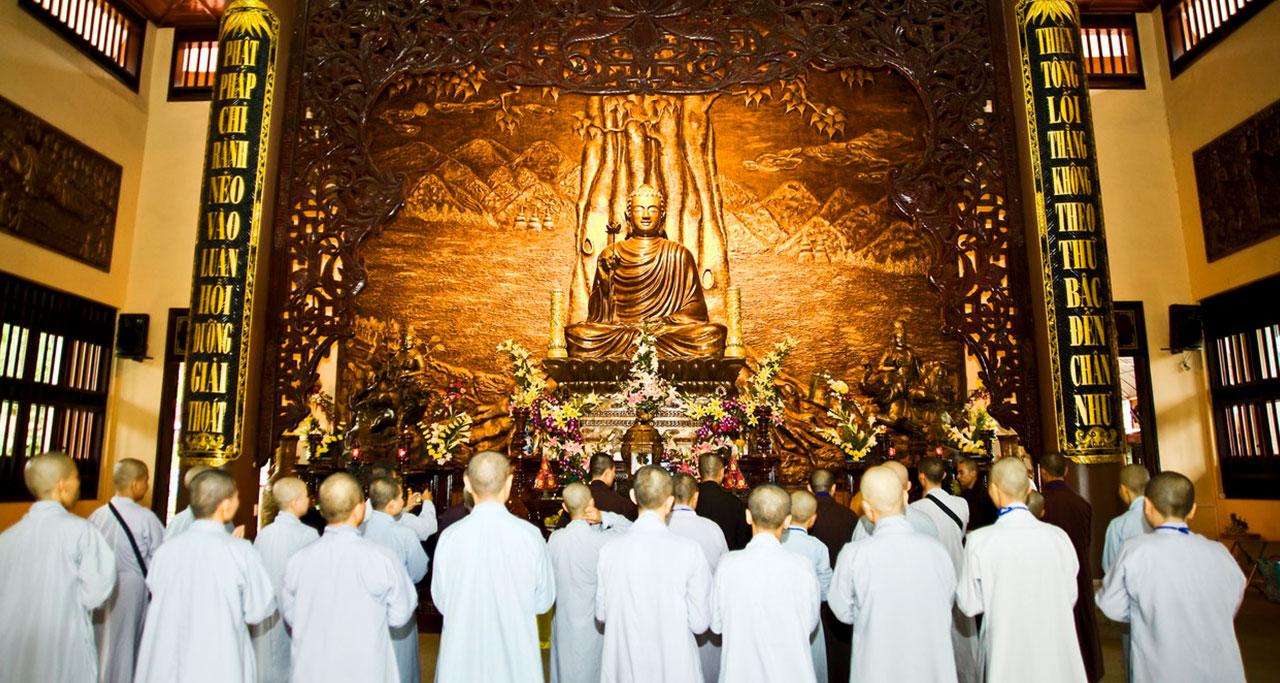 Visit-Yen-Tu-Pagoda-24