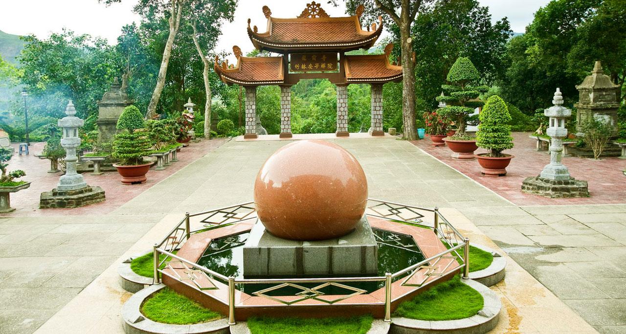 Visit-Yen-Tu-Pagoda-26