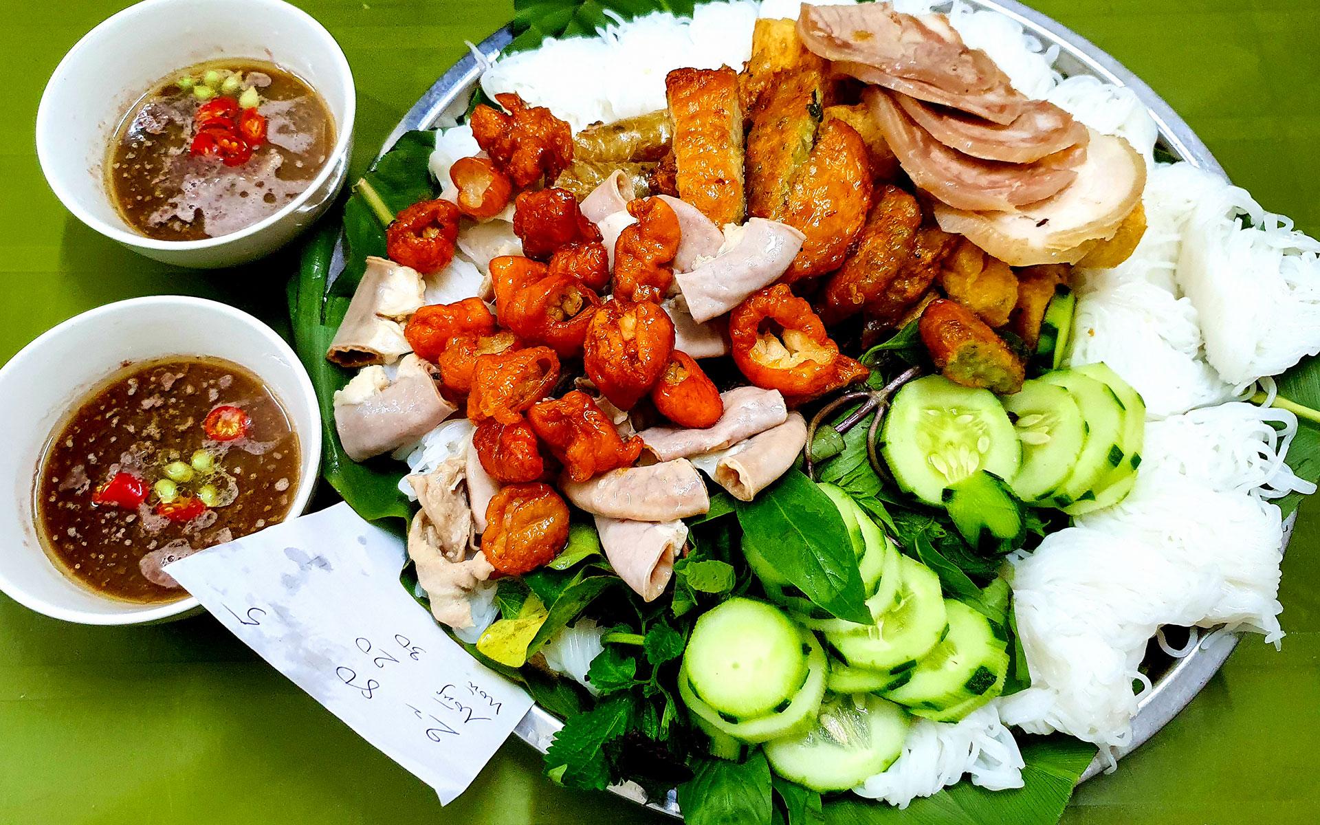 """""""bun dau mam tom"""" - famous street food in Hanoi"""