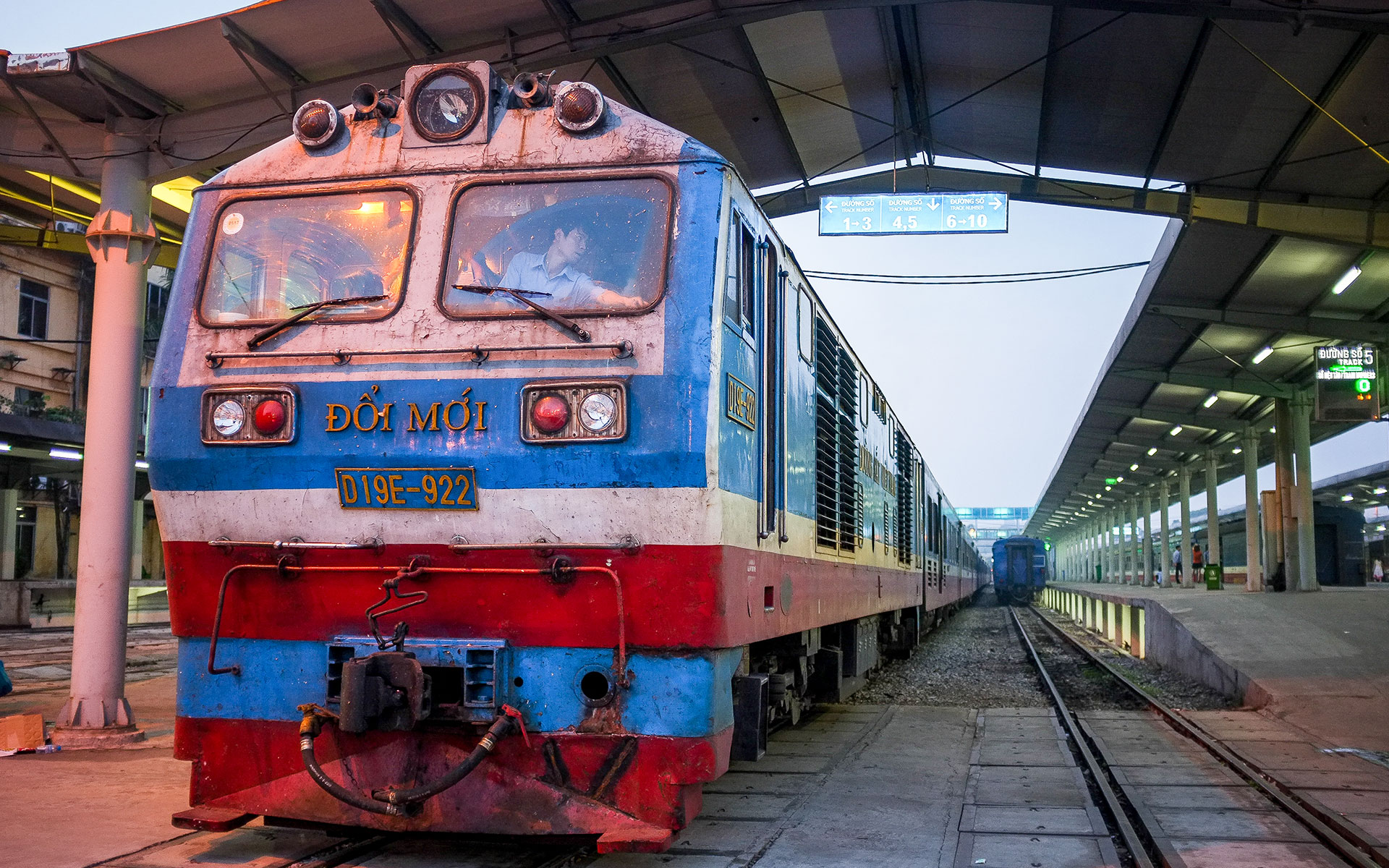 Hanoi to Hoi An by train