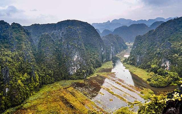 Explore Ninh Binh: Hoa Lu, Mua Cave & Tam Coc