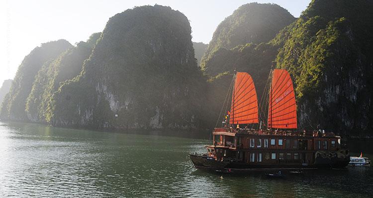 Vietnam-Halong-19