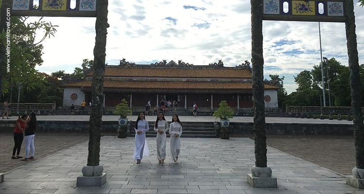 Vietnam-Hue-9